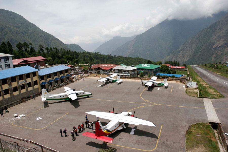 尼泊尔飞机失事5名中国人遇难