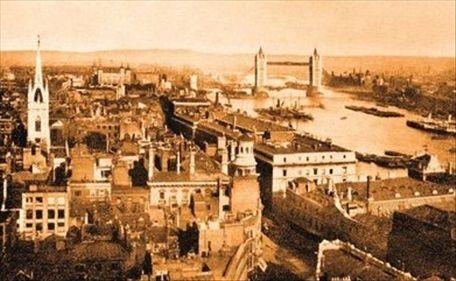 1900年伦敦东区一景,远眺伦敦塔桥