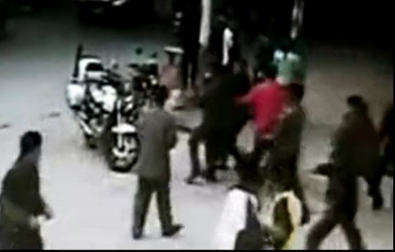 ... 广州河源巡警淡定围观黑社会杀人 -新闻频道-和讯网