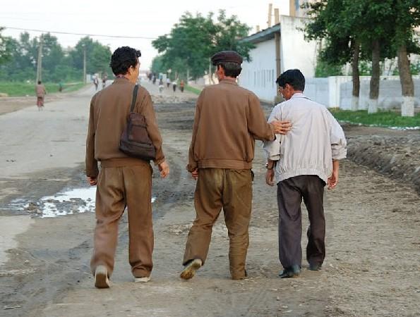 北朝鲜人民生活_朝鲜现在人民的生活条件如何?-朝鲜的生活水平?