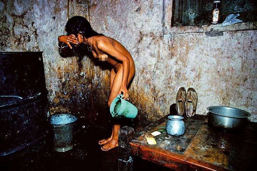 印度底层人民的悲摧生活屡现公交车轮奸案(组
