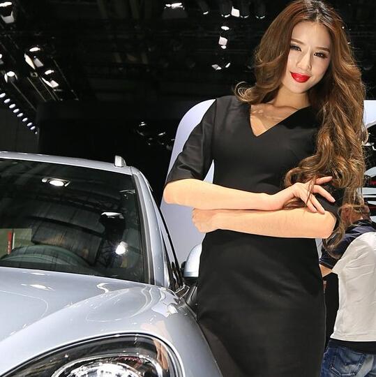 2014广州车展高清车模:保时捷展台李乔丹